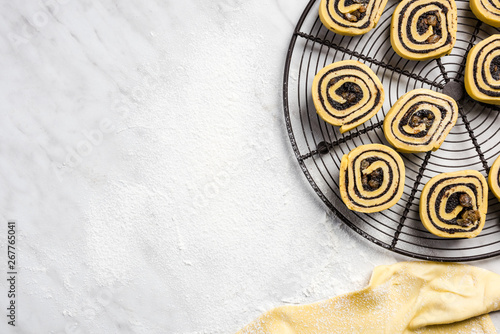 Fotografía  Poppy seed rolls with french pastry