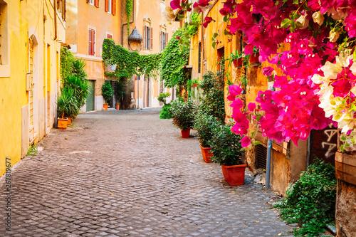 Fototapeta uliczka   ulica-w-trastevere-rzym-wlochy