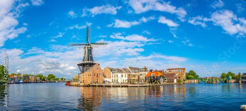 windmill de Adriaan in Haarlem, Netherlands Canvas-taulu