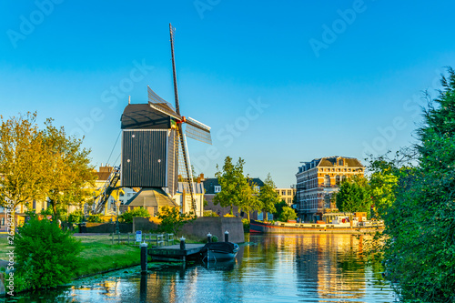 Montage in der Fensternische Blau sunset view of windmill de Put in Leiden, Netherlands