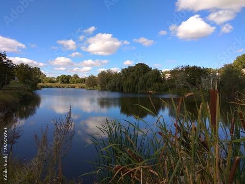Foto op Aluminium Oranje Lake. Water. Sky.