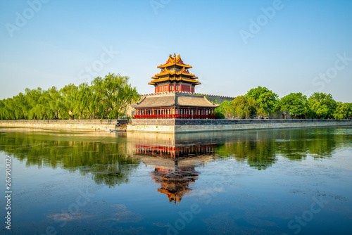 Poster Pekin corner tower at the forbidden city, beijing, china