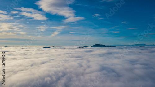 Valokuva  Sopra la nebbia