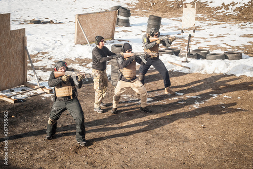 Instructor had firearm tactical shooting training with group