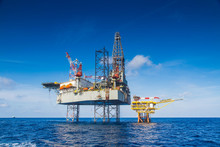 Offshore Oil Rig Drilling Plat...