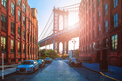 Fototapeta Manhattan Bridge between Manhattan and Brooklyn during sunset obraz