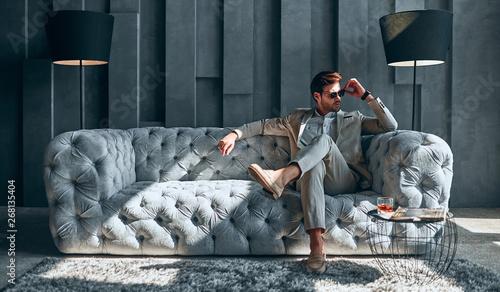 Fototapeta Stylish man at home obraz