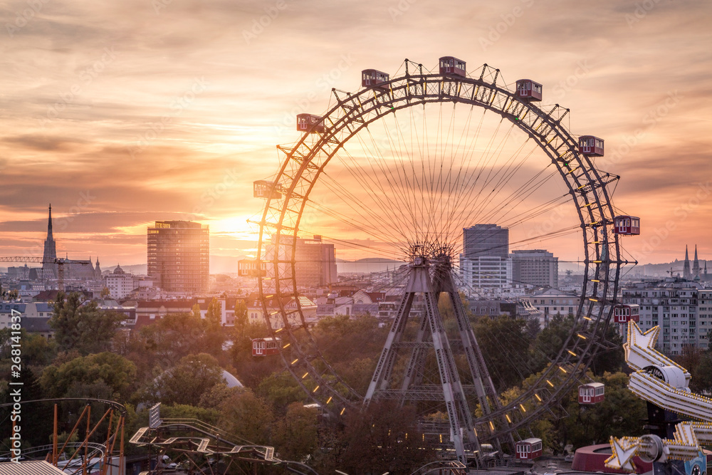 Fototapety, obrazy: View over the Prater with the Ferris Wheel and Skyline, Vienna, Austria