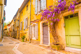 Fototapeta Uliczki - View of a narrow street in the historical center of Arles