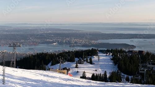 Fotografija Sunset on the city of Vancouver, british Columbia, Canada