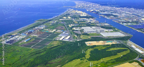 Fotografia 北海道苫小牧市、苫小牧港の空撮風景。