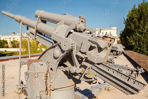 Photo The gray German antiaircraft gun in the museum panorama The battle of Stalingra