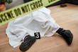 Leinwandbild Motiv Leiche nach Mord am Tatort