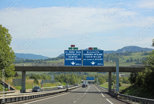 Cuadros en Lienzo traffic sign on the highway in France