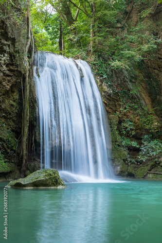 Photo Stands Waterfalls Erawan Waterfall tier 3, in National Park at Kanchanaburi, Thailand