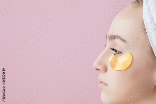 Fotografie, Tablou  Portrait of Beauty Woman with Eye Patches on pink background