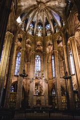 Barcelona - 10 maja 2019: wnętrze katedry Świętej eulalii w Barcelonie, Hiszpania