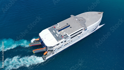 Fotografía Aerial drone top view photo of high speed passenger ferry arriving at port of My
