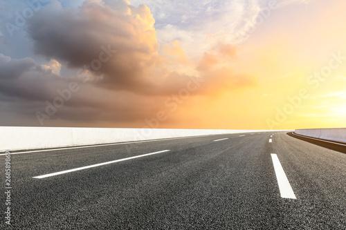 Foto auf AluDibond Gelb Schwefelsäure Empty road and sky nature landscape