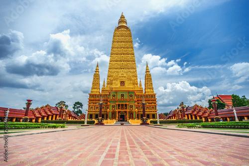 Spoed Fotobehang Bedehuis Pagoda of Bang Tong Temple in Thailand.