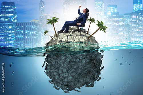 Fotografía  Offshore accounts concept with businessman