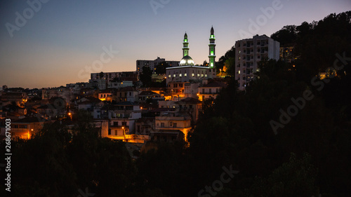 Fotografiet A mosque on a hill at night in Casbah, Algiers, Algeria