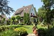 canvas print picture - Haus Einfamilienhaus romantisch Garten Sommer