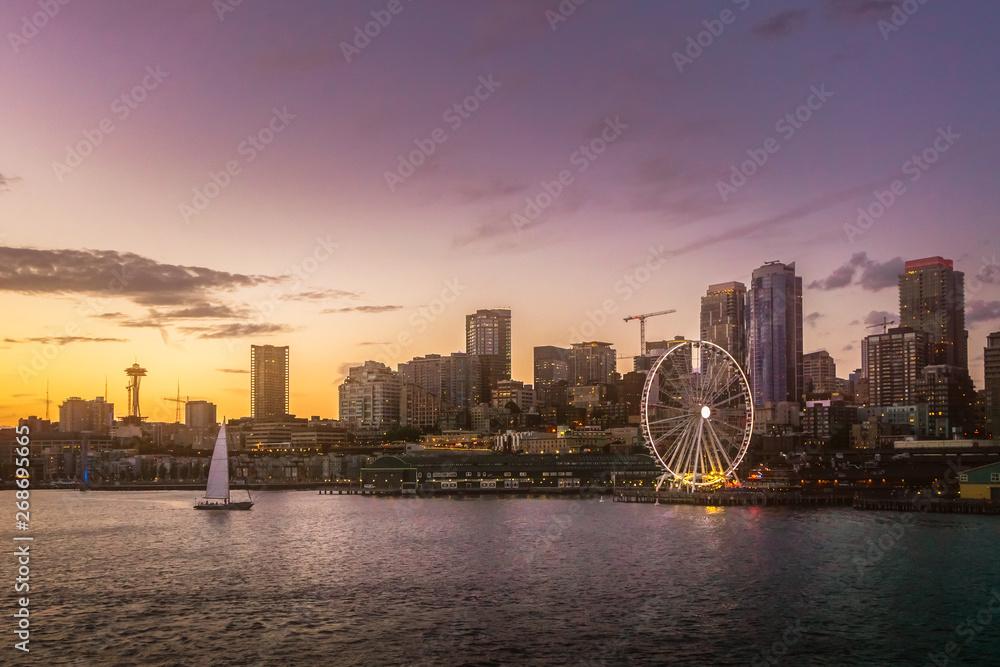 Fototapety, obrazy: Beautiful Seattle waterfront skyline from Elliott Bay at dusk. Dreamy cityscape or scenery. Washington state, USA.