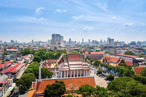 Skyline of Bangkok downtown with old traditional buildings in front, Thailand © Dawid