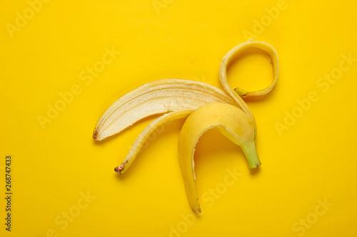 Obraz na plátně  Minimalism fruit concept