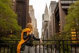 Fototapeta Nowy Jork - woman isolate in tudor st new york