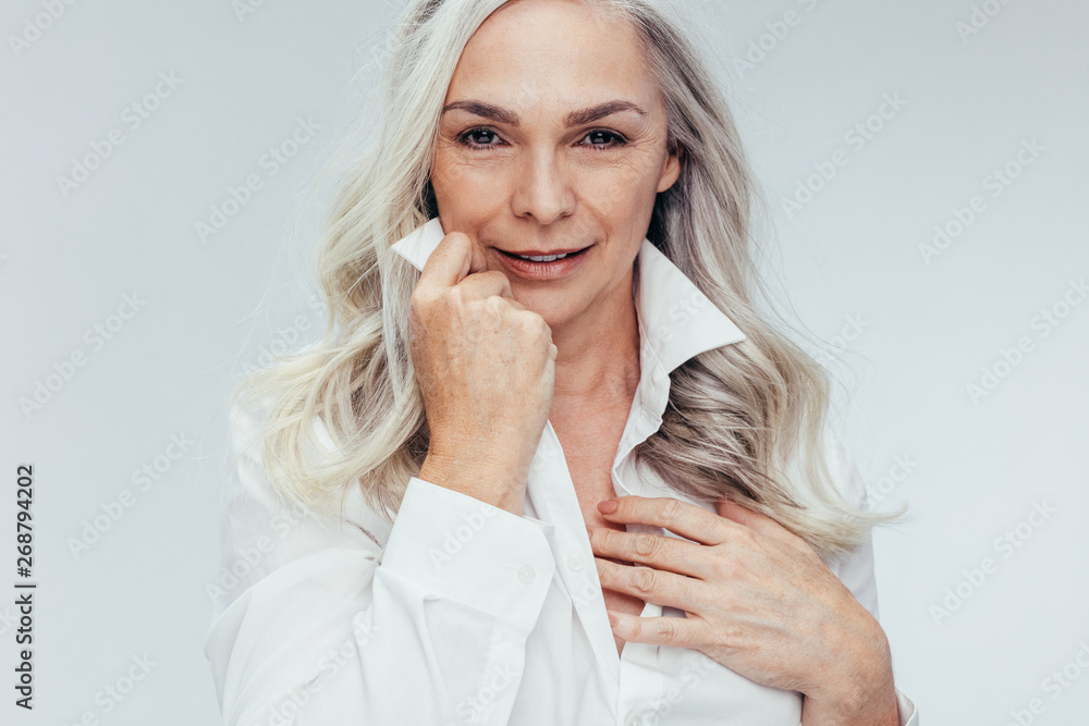 Fototapety, obrazy: Mature woman looking attractive