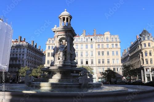 Garden Poster Madrid Lyon - La place des Jacobins et sa fontaine