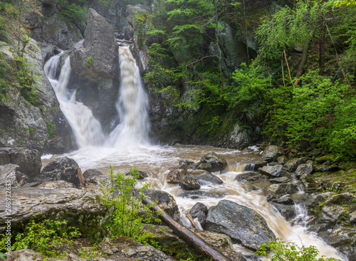 Photo Waterfall in the deep forest