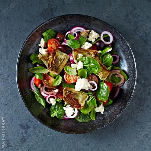 Pinturas sobre lienzo  Cherry tomato and spinach salad with artichoke hearts, kalamata olives and feta cheese