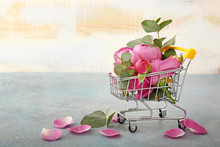 Shopping Cart With Pink Roses ...
