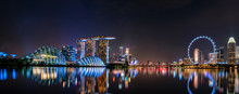 SINGAPORE-MAY 19, 2019 : Cityscape Singapore Modern And Financial City In Asia. Marina Bay Landmark Of Singapore. Night Landscape Of Business Building And Hotel. Panorama View Of Marina Bay At Dusk.