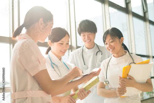Fotografie, Obraz 打合せをする看護師
