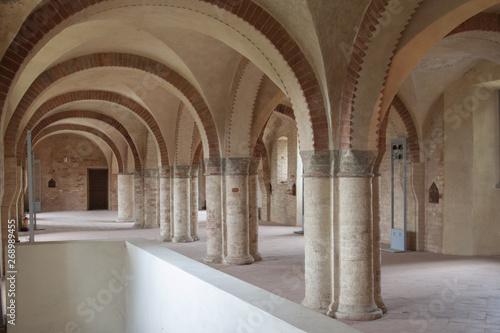 Morimondo Milano Italia abbazia religiosa Wallpaper Mural
