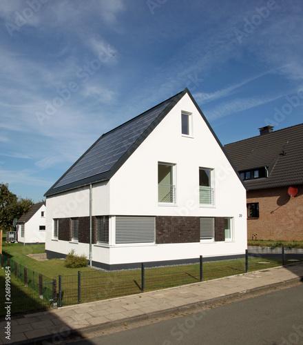 Einfamilienhaus Modern Architektur Solaranlage Energie Buy