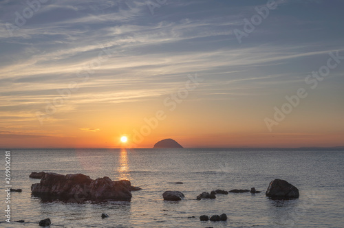 Foto south ayrshire, seascape, island, firth of clyde, ailsa craig, background, beach
