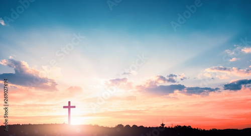 Photo salvation concept:The Cross symbol of christian and Jesus Christ