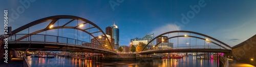 Photo  Panorama von der Elbphilharmonie am frühen Abend