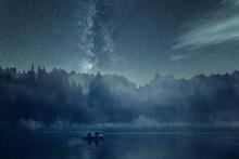 Nachtangeln Auf Einem See Bei ...