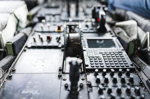 Fotografie, Obraz  Leva per il controllo dei Flaps su un velivolo turboelica da trasporto merci
