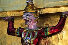 Wat Phra Keo Tempelwächter In Bangkok.