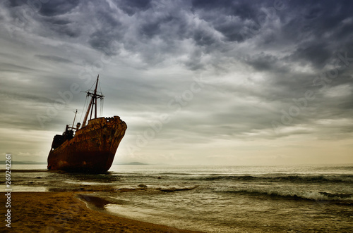 Poster Naufrage Dimitrios is an old ship wrecked on the Greek coast and abandoned on the beach