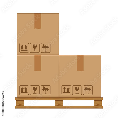 Fotografia crate boxes three on wooded pallet, wood pallet with cardboard box in factory wa