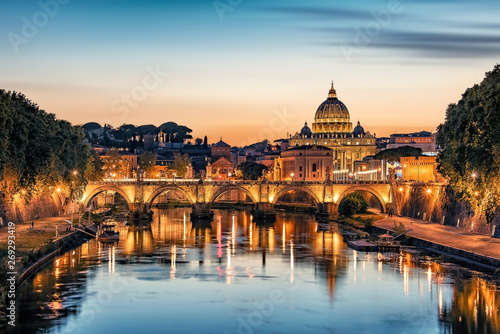 Foto auf Gartenposter Rom The city of Rome at sunset