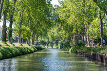 Summer Look On Canal Du Midi C...